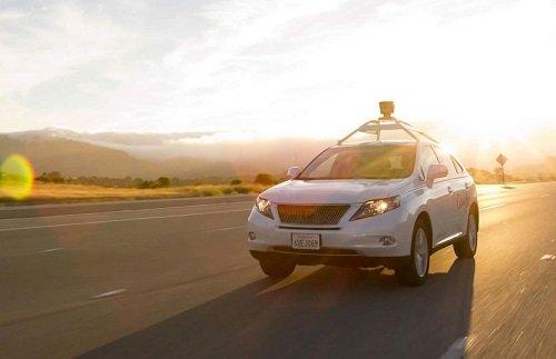 Hertz протестирует автомобили савтопилотной технологией отApple
