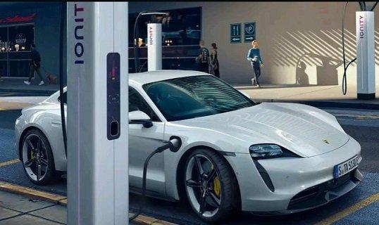«Taycan» возглавила модельный рейтинг продаж электрокаров в РФ